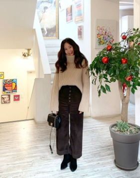[Shortbutstunning] Highwaist Corduroy Button culotte pants